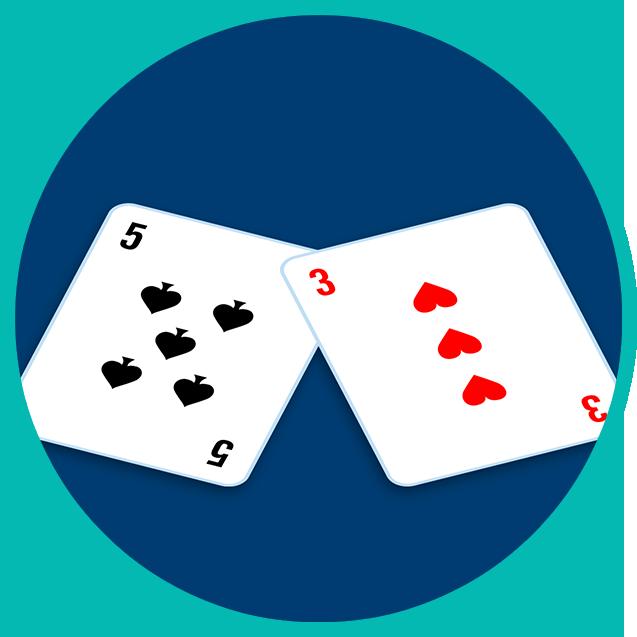 Deux cartes face visible: un 5 de pique et un 3 de cœur.