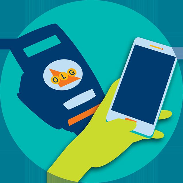 Main tenant un appareil mobile à côté d'un lecteur de billets de loterie.